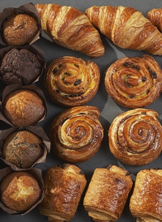 https://michelsbakerycafe.com/wp-content/uploads/sites/2/2020/06/apd-bd-mb_web_products_viennoiseries_330x450.jpg