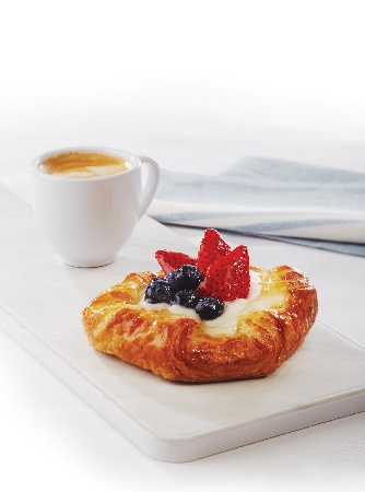 https://michelsbakerycafe.com/wp-content/uploads/sites/2/2021/02/mb_mix-berry-danish_ver_450x330.jpg